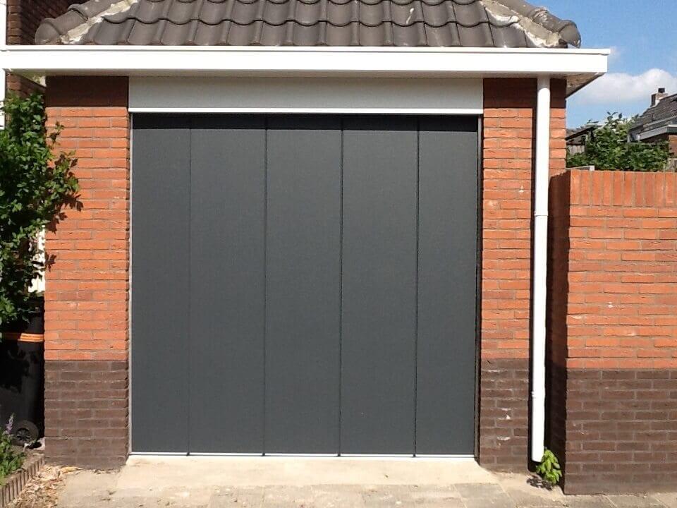 Normstahl-TopStyle-zijwaartse-garagedeur1