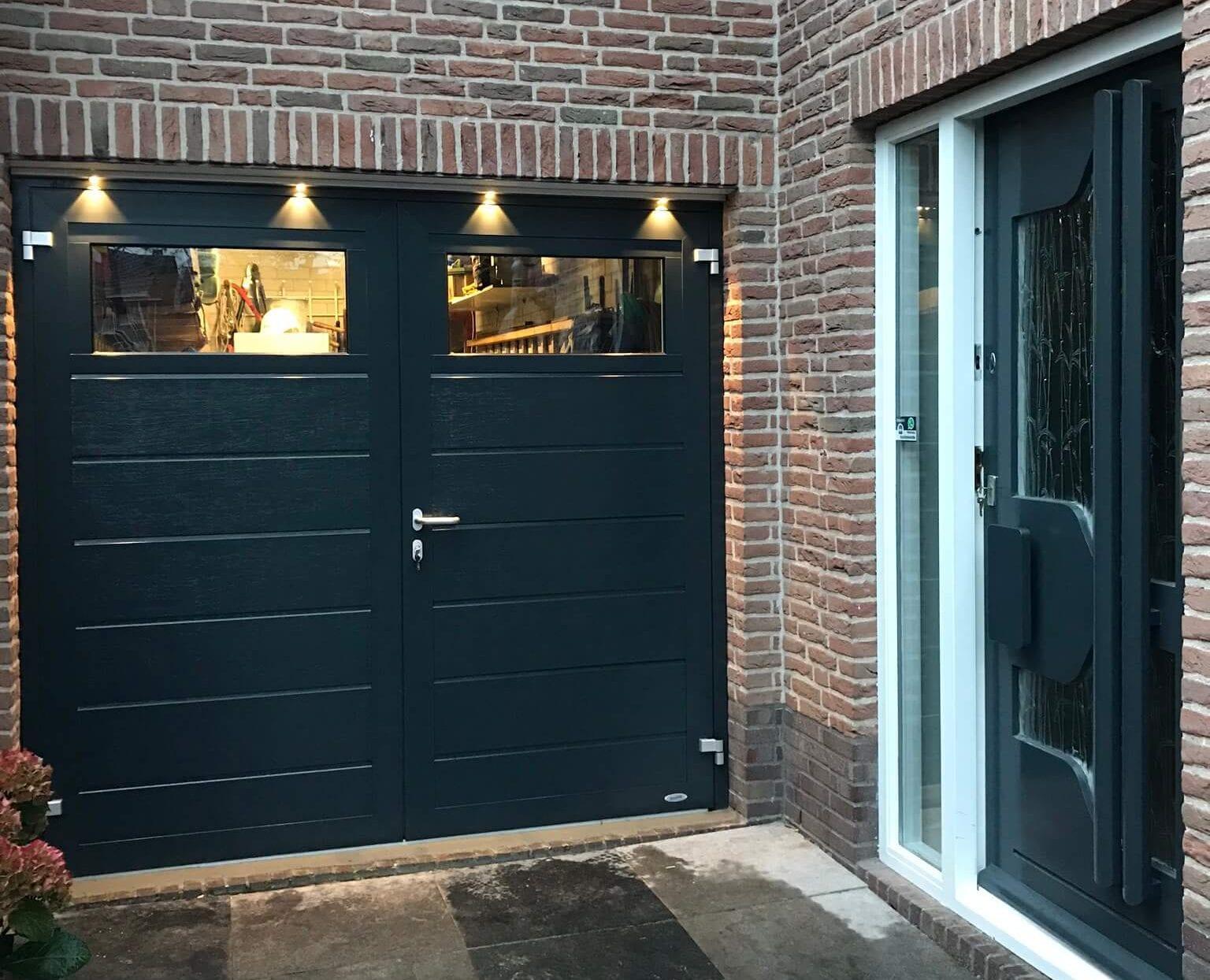 Novoferm Duoport Bodegraven, horizontaal breed met vensters RAL 7016